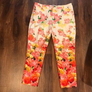 Cache floral Capri pant size 12